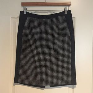 J Crew wool pencil skirt w/pockets. Sz 4